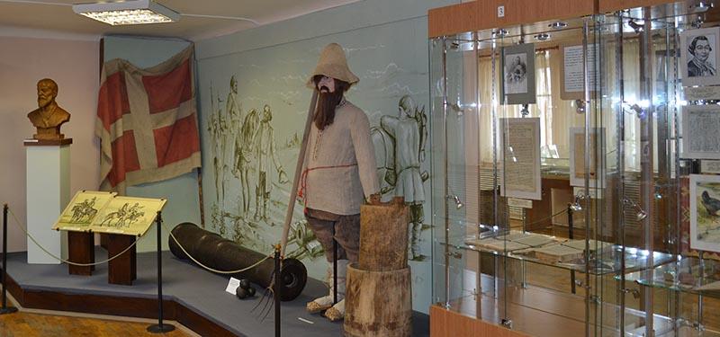 Экскурсии обзорные по залам музея